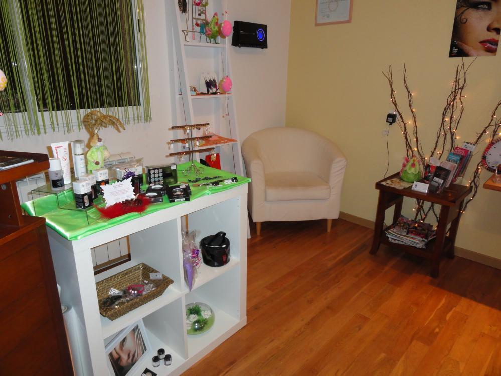 kosmetiksalon bei den ferienwohnungen. Black Bedroom Furniture Sets. Home Design Ideas